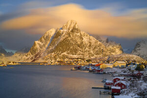 Norway, Renie, Mountain, Clouds