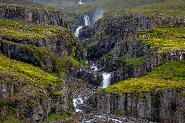 Icelandic Cascades