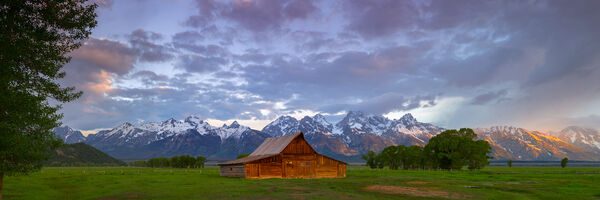 Wyoming, Tetons, Grand Tetons, Mormon Row, Sunrise, Barn