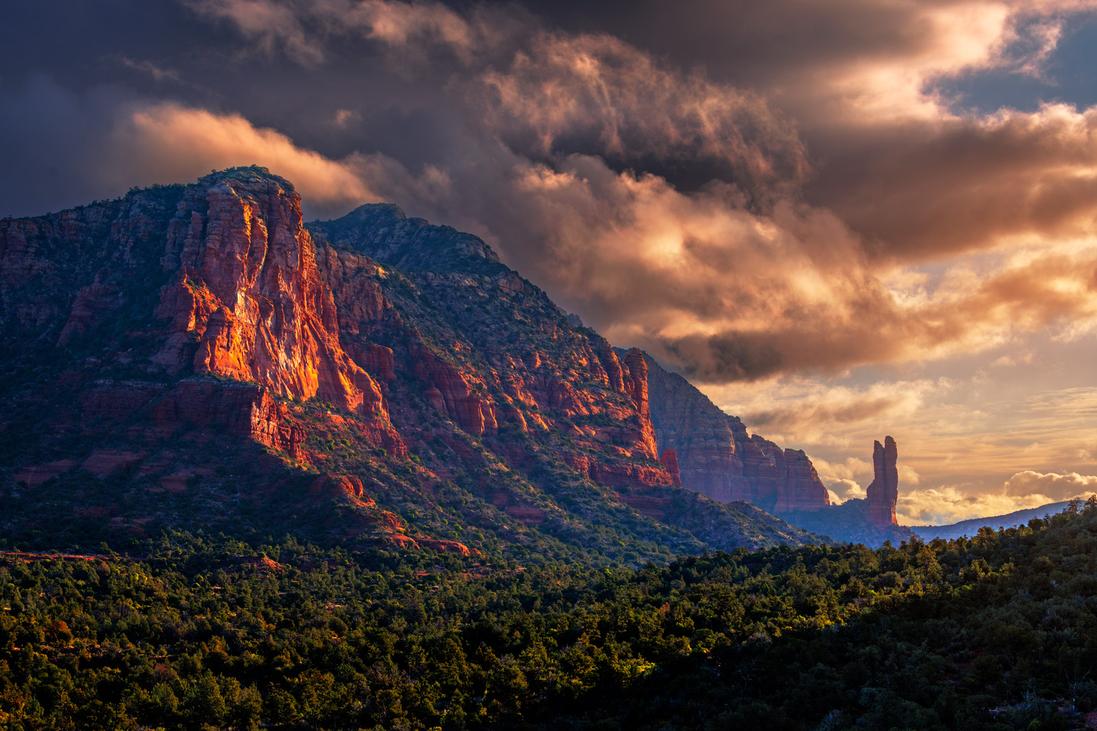 Arizona, Sedona, Courthouse Butte, Sunrise, Red Rock, Clouds, photo