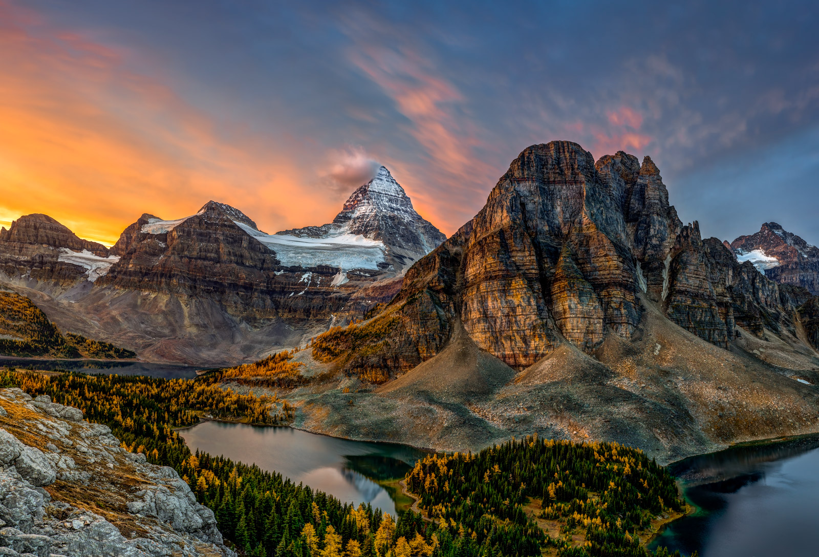 Canada, Alberta, Mount Assiniboine, Fall, Color, photo