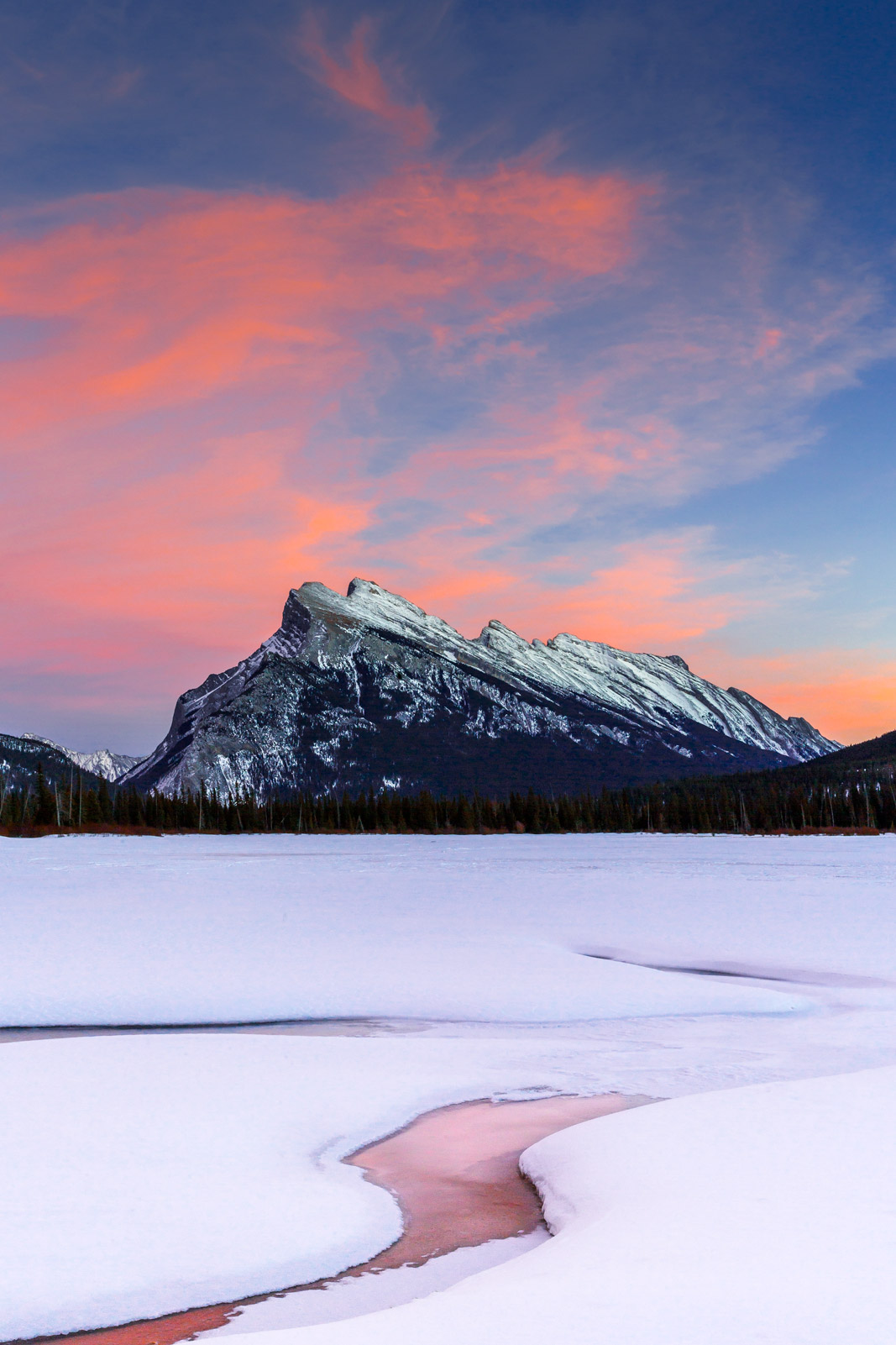 Aberta, Canada, , Banff, Mount Rundle, Sunset, Mountain, Snow
