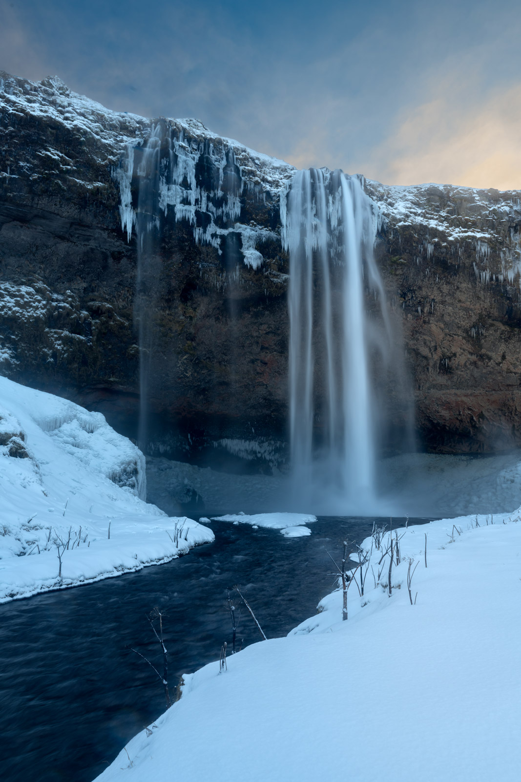Iceland, Seljalandsfoss, waterfall, winter