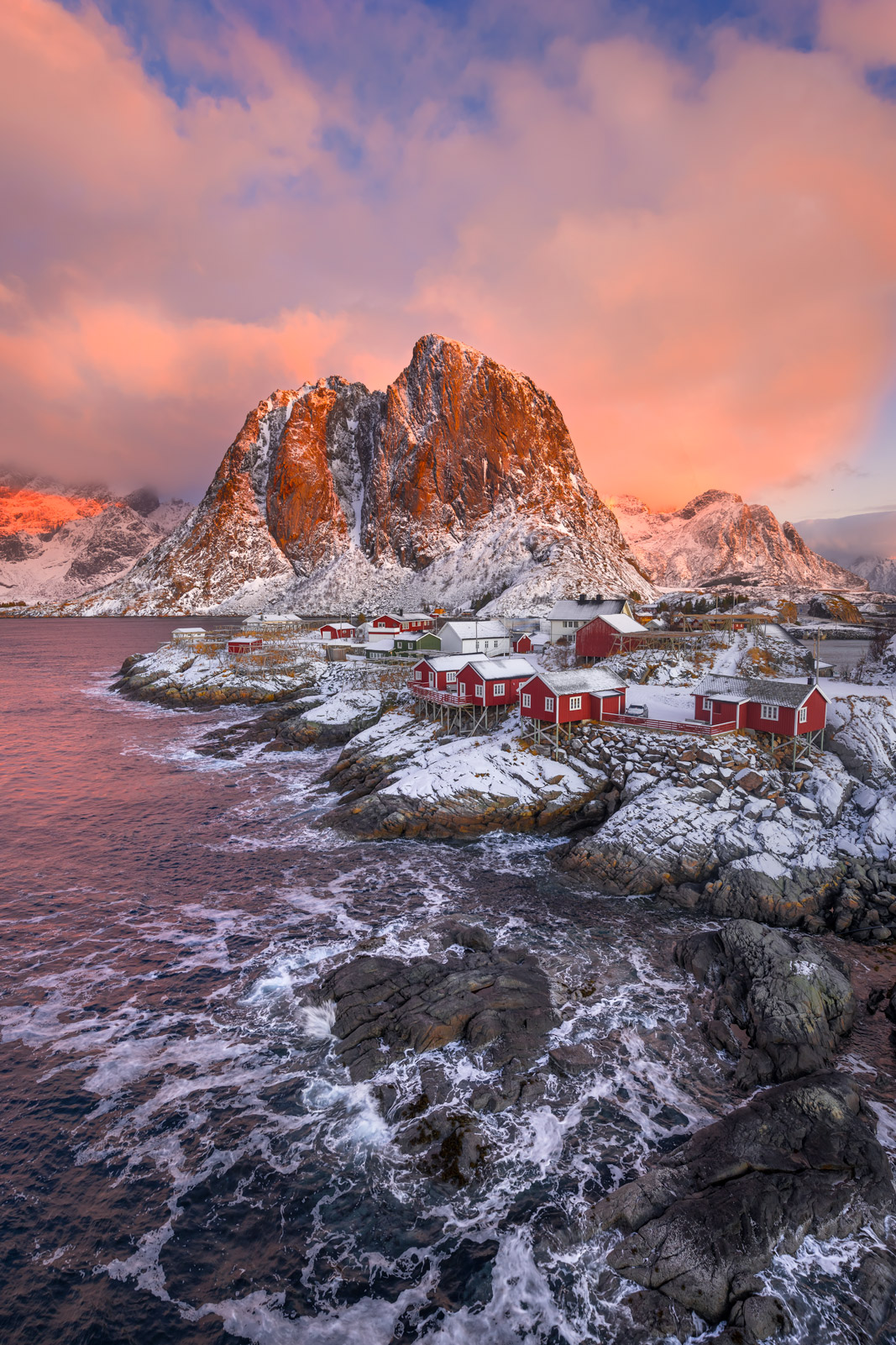 Norway, Lofoten, Renie, sunrise, mountain