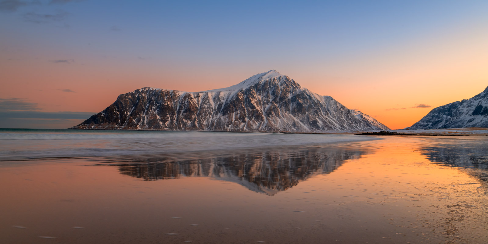 Norway, Lofoten, Skagsanden, sunrise, reflection
