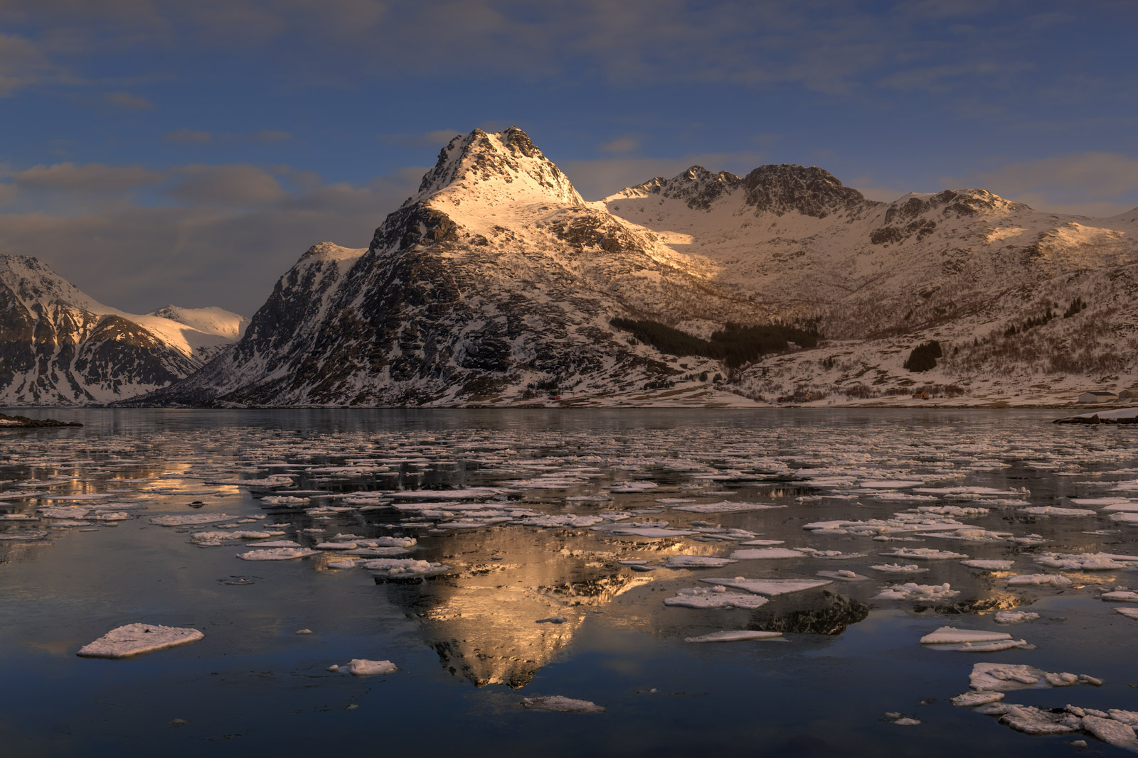Norway, Lofoten, Islands, winter, water, freeze, reflection, photo