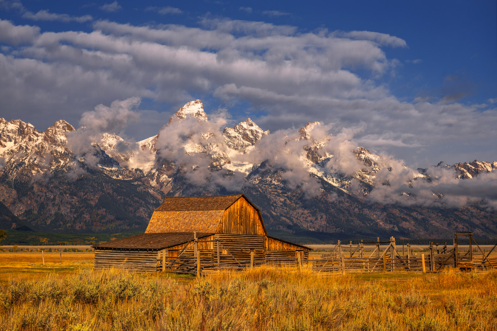 Wyoming, Grand Tetons, National Park, Mormon Row, Barn, Clouds